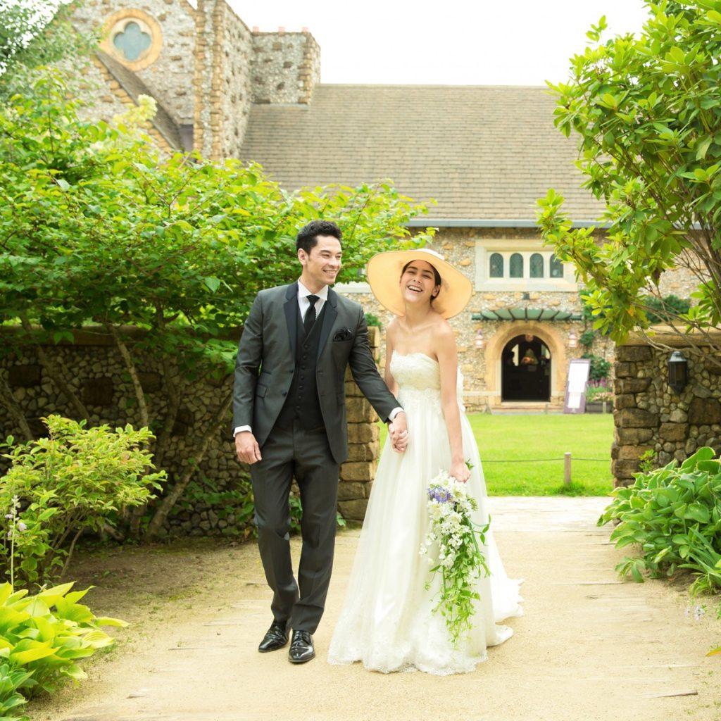 「ロケーションが綺麗な季節で結婚式をしたい…!」そんなおふたりに<br /> 7月〜9月限定のプランがオススメです。<br /> 那須の爽やかな風と木々から木漏れる光…<br /> 最もロケーションの美しい季節で結婚式が叶います。