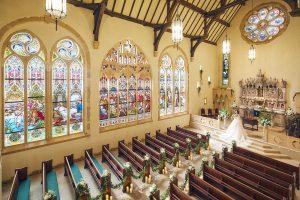 ステンドグラス美術館内にあり圧倒的なスケール感のセント・ラファエル礼拝堂